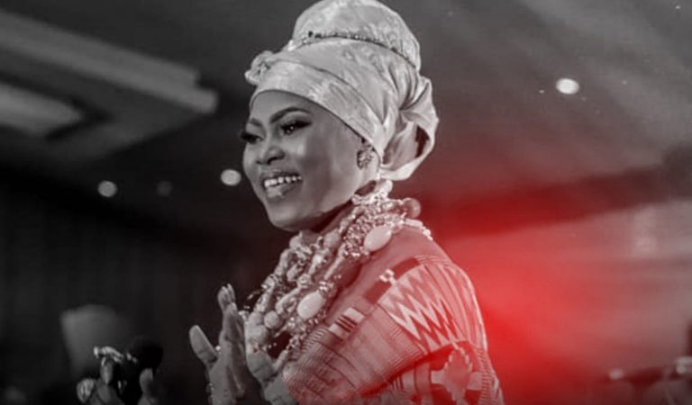 Audio + Video: Joyce Blessing – Aye Ma (Running Over) Live/ Medley
